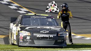 James Buescher wins at 2012 Drive4COPD 300 at Daytona International Speedway (Video)