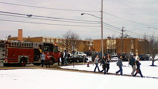 Ohio School: 5 Students Shot, 1 Dies At Chardon High School (Photo and Video)