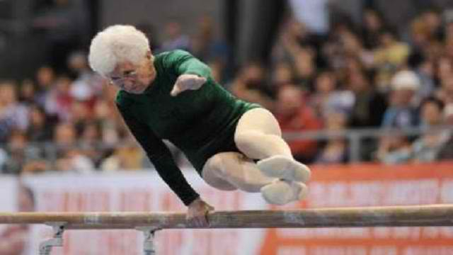 Johanna Quaas, 86-year-old performing parallel bars routine goes viral (Video)