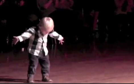 William Stokkebroe: 2-year-old boy dancing Jailhouse Rock goes viral