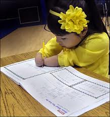7-Year-Old Girl Born Without Hands, Annie Clark wins Penmanship Award (Video)