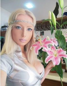 Ukrainian Barbie Doll: The Real-Life Barbie Doll 'Valeria Lukyanova' (Video)