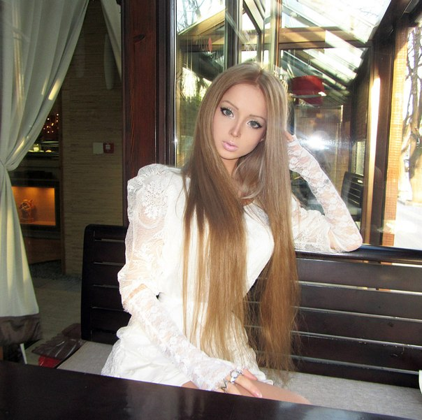 The Real-Life Ukrainian Barbie Doll: Valeria Lukyanova (Photo Gallery)