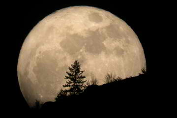 Supermoon 2012: Biggest Full Moon of 2012 is Expected to Rise this Weekend (Video)