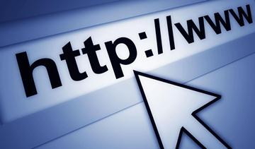 Hurricane Sandy puts big websites down