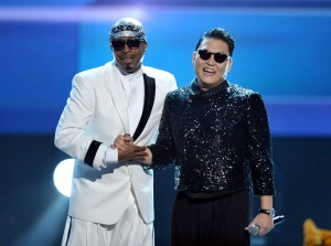MC Hammer and PSY at American Music Awards 2012