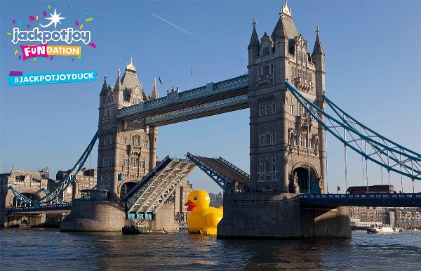 Tower Bridge forced to open for 50 foot rubber duck
